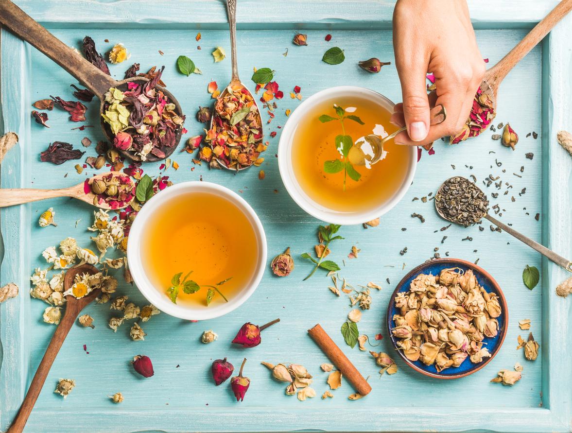 Chás mais populares: conheça os principais tipos e benefícios dessa bebida