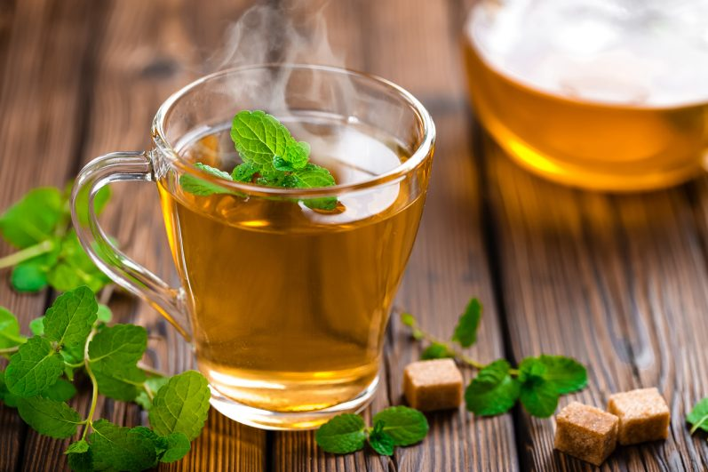 5 benefícios do chá de hortelã