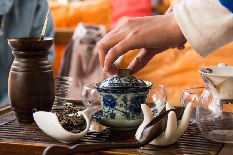 O chá pelo mundo: como outras culturas bebem chá?